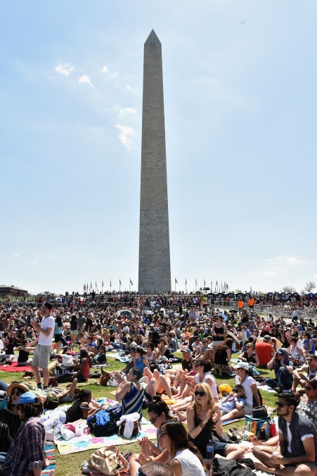 WASHINGTON, D.C., - APRIL 18: A general view of atmosphere during Global Citizen 2015 Earth Day on National Mall to end extreme poverty and solve climate change on April 18, 2015 in Washington, DC. (Photo by Noam Galai/Getty Images for Global Citizen)