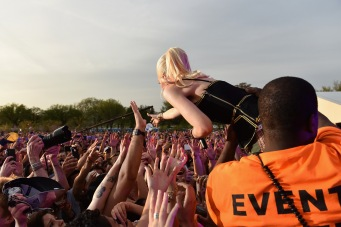 WASHINGTON, D.C., - APRIL 18: Singer-songwriter Gwen Stefani of No Doubt performs onstage during Global Citizen 2015 Earth Day on National Mall to end extreme poverty and solve climate change on April 18, 2015 in Washington, DC. (Photo by Noam Galai/Getty Images for Global Citizen)