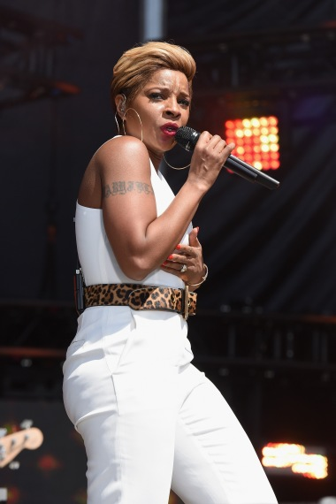 WASHINGTON, D.C., - APRIL 18: Singer Mary J. Blige performs onstage during Global Citizen 2015 Earth Day on National Mall to end extreme poverty and solve climate change on April 18, 2015 in Washington, DC. (Photo by Noam Galai/Getty Images for Global Citizen)