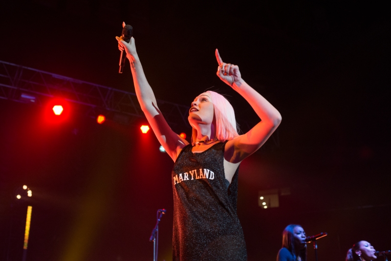 British pop singer Jessie J, wearing a Maryland outfit, dances on stage at Art Attack 2015. (Josh Loock/For the Bloc)