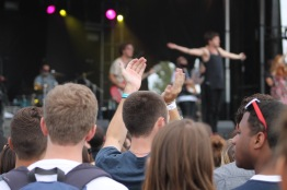 Landmark Music Festival attendees enjoying a performance by Southern Californian band, The Mowgli's at the Lincoln stage on Saturday. (Cassie Osvatics/Bloc Reporter)