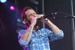 Ben Bridwell, the lead singer of Charleston, SC band, Band of Horses during their Landmark Music Festival Saturday on the Lincoln stage. (Cassie Osvatics/Bloc Reporter)