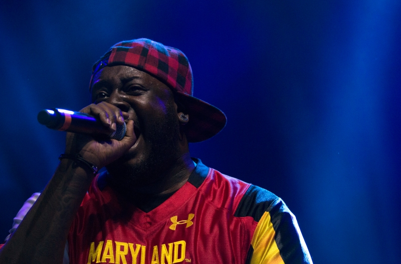 When T-Pain finally took the stage at Art Attack XXXIII, he performed a long medley of his features from mid 2000s hits, including Snap Yo' Fingaz and Cyclone in the Xfinity Center on May 6, 2016. (Jack Angelo/Bloc Reporter)