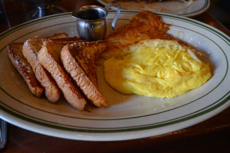 The French toast with scrambled eggs and hashbrowns is $10.49. (Talia Dennis/Bloc Reporter)