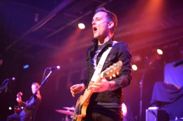 Dave Hause and his band, The Mermaid, opened the show with a combination of folk-rock and alternative-rock jams that had everyone singing. (Miranda Rosan/Bloc Photographer)