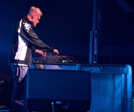 Snakehips managed to keep his set interesting and upbeat by throwing in new mixes on top of some of his original songs. (Miranda Rosen/Bloc Photographer)